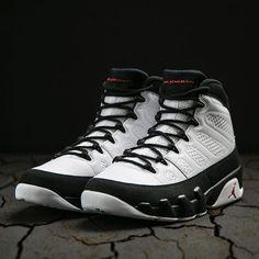 Air Jordan Retro 9 will be available tomorrow at Jimmy Jazz