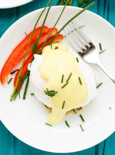 Gluten-free modern twist on the eggs benedict classic that made healthier by using potatoes as the base instead of English muffins. And just as tasty! Potato Waffles, Potato Patties, Breakfast Specials, Breakfast Potatoes, Yummy Food, Tasty, Potato Recipes, Breakfast Recipes, Brunch