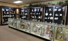 Visit the Porcelain Art Museum in Oklahoma city to feast your eyes on hand-painted pieces from around the world. International porcelain figurines, dolls, jewelry and more fill the shelves of this unique Oklahoma museum.