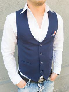 Официални мъжки елеци за костюм в тъмно синьо. Перфектният избор за стилният мъж. Можете да го комбинирате с множество цветове ризи и ще имате секси визия... с онлайн магазин Kapriz.eu
