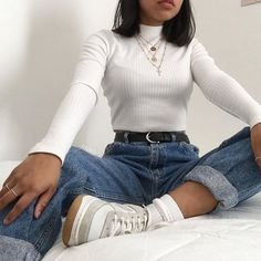 Over 10 inspiring boyfriend jeans outfits for fashion girls for everyday 6 . - Over 10 inspiring boyfriend jeans outfits for fashion girls for everyday 69 - Mode Outfits, Retro Outfits, Cute Casual Outfits, Fashion Outfits, Korean Outfits, Casual Shoes, Edgy Outfits, Fashion Trends, Travel Outfits