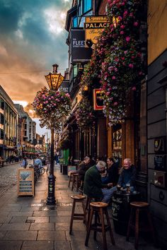 Dublin's streets are bursting with color and buzzing with activity this time of year. CIE Tours International has over 25 unique tours which take in Dublin's vibrant personality. 😋 click image to find a travel advisor near you Dublin Pubs, Visit Dublin, Dublin Nightlife, Dublin Shopping, Dublin City, Ireland Vacation, Ireland Travel, Galway Ireland, Cork Ireland