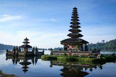 2 Hotel di Bali Masuk Nominasi The Asia Hotel Design Award 2016   27/01/2016   The Asia Hotel Design Award 2016, ajangpenghargaan untuk hotel dengan desain dan arsitektur terbaik, kembali digelar.Dalam penghargaan tahun ini, ada dua hotel Indonesia yang turut masuk ke dalam nominasi ... http://propertidata.com/berita/2-hotel-di-bali-masuk-nominasi-the-asia-hotel-design-award-2016/ #properti #hotel #bali #resort #singapore