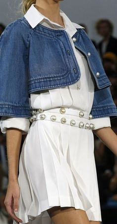 Chanel Spring 2013 RTW Jupe, Mode Femme, Chaussure, Bijoux, Haute Couture, bfd42562ce9