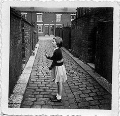 Many girls could juggle 2 or 3 balls at a time against a wall. Their complex games involved high speed bouncing moves and when that became too tame they would toss the ball between their legs or twirl around before catching the ball. All of this was accompanied by singing of various rhymes.