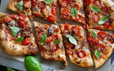 Studded with tons of sweet cherry tomatoes, this hearty pizza becomes extra special with added bacon and blue cheese. But you can add any melting cheese of your choice for this amazing pizza. Tomato Pizza Recipe, Pizza Margarita, Queso Brie, Bacon Pizza, Salad Rolls, Cooking Photos, Pizza Recipes, Fast Recipes, Cherry Tomatoes