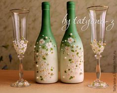 Свадебный набор `Яблоневый цвет`. В набор входит оформление 2-х бокалов и 2-х бутылок. По желанию можно выполнить работу только на бокалах или только на бутылках.