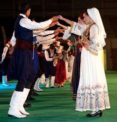 Ο Λαογραφικός - Χορευτικός Όμιλος «ΚΡΗΤΕΣ» Greek Costumes, Dance Costumes, Greek Culture, Folk Dance, Traditional Clothes, Folk Costume, Croatia, Ukraine, Beautiful People
