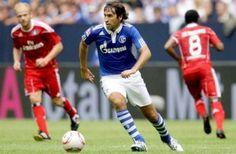 Raúl González Blanco con la camiseta del Schalke 04 Local
