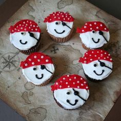 Pirate Cupcakes - Pirate and Fairy Treats #cupcakes #pirates #birthday