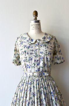 Wildgrown dress 1950s shirtdress cotton 50s dress   Etsy Vintage Outfits, Vintage Wardrobe, Vintage Dresses, 50s Dresses, Pretty Dresses, 1950s Fashion, Vintage Fashion, Summer Dresses With Sleeves, Shirtwaist Dress