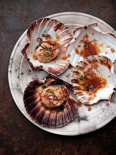 chilli + basil scallops // this would probably work well with prawns or tofu as well