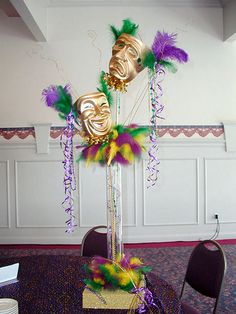 mardi gras centerpieces - colours would be less tacky! Mardi Gras Centerpieces, Mardi Gras Decorations, Centerpiece Ideas, Birthday Party For Teens, Sweet 16 Birthday, Teen Birthday, Carnival Themes, Party Themes, Party Ideas