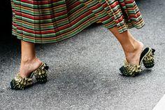 Arredonda a saia - Street Style - Vogue Portugal