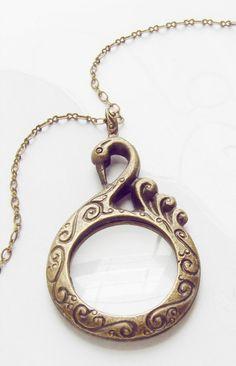 Onefa Vintage Antique Bronze Magnifier Pendant Necklace Magnify Glass Reeding Decorative Monocle Necklace