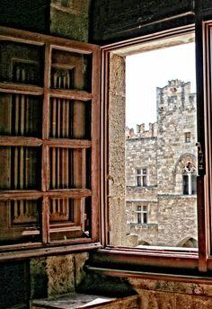 θέα ,μεσαιωνικό κάστρο, Ρόδος - view to the medieval castle, Rhodes, Greece