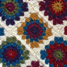 Make a fun and classic granny blanket with this slight twist on the classic granny square.