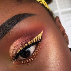 Mellow Yellow . . . @anastasiabeverlyhills @norvina Modern Renaissance Palette (Golden Ochre, Burnt Orange, Realgar, Red Ochre, Venetian Red and Primavera), Sun Dipped Glow Kit, and Dip Brow Pomade in Ebony @bhcosmetics 120 palette to intensify the yellow on the inner corner @nyxcosmetics Eyeliner in Vivid Halo @eylureofficial lashes in Definition 126