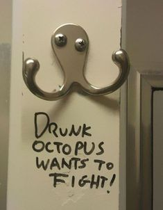 Images of the day, 65 images. Drunk Octopus Wants To Fight