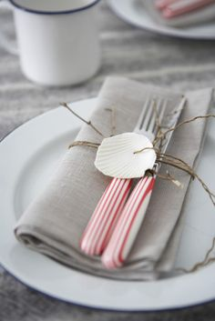 Napkin setting ideas | table decorating ideas | party decorating ideas | Thanksgiving | Christmas | Wedding | Menu card  Ideas | Birthday Parties | Picnic | wedding reception ideas