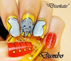 love these Dumbo nails