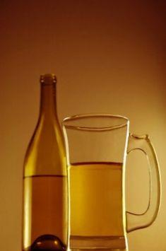 How to Make Peach Wine - A Simple Homemade Peach Wine Recipe