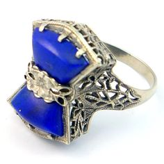 14K Antique Art Deco Blue Lapis Lazuli Filigree Ring. Love love love love.