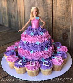 Barbie Doll Birthday Cake, Barbie Theme, 21st Birthday Cakes, Cupcake Birthday Cake, Barbie Party, Cupcake Cakes, Carnival Birthday, Frozen Birthday, Princess Birthday