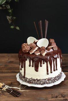 Drip cake tutorial italiano – Come fare la Ganache Drip cake al cioccolato con video ricetta Dulcisss in forno by Leyla