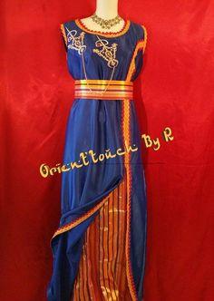 Le produit Robe Kabyle Bleu Roi est vendu par Orient'touch By R dans notre boutique Tictail.  Tictail vous permet de créer gratuitement en ligne un shop de toute beauté sur tictail.com