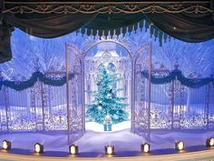 This is one of the Tiffany & Co holidays window displays on Fifth avenue, the design flashes back to the 19th century, depicting a fairy-tale–like winter diorama. Elegant and fantastic! #newyork #Christmas #nyc #manhattan #holiday #christmaslight #decoration  #light #Tiffany&Co #store #glamour #windowdisplay #jewelry #ring #tiffanyblue #diamond #design #beautiful #miniature