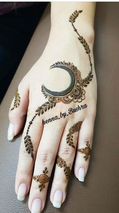 Hand picked mehendi for your special occasion Circle Mehndi Designs, Finger Henna Designs, Back Hand Mehndi Designs, Latest Bridal Mehndi Designs, Mehndi Designs Book, Mehndi Designs For Beginners, Unique Mehndi Designs, Mehndi Designs For Fingers, Mehndi Designs For Hands