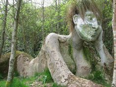 mud maiden sculpture