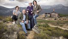 No se puede hablar de las Bodegas Eguren Ugarte sin mecionar a don Vitorino Eguren, el alma de la bodega con una vida dedicada al vino. Su pasión le viene de sus tatarabuelos, desde el año 1870, y en la actualidad ya son seis generaciones dedicadas al apasionante mundo de cultivar y crear vino. Si bien fueron introduciéndose poco a poco y con muchos esfuerzos en este negocio, hoy en día cuentan con 130 hectáreas de viñedos, algunos con antigüedad de más de 100 años, kilómetros de cuevas y…