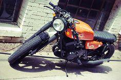 -RD400 cafe racer-  http://www.yamaha-community.fr/rd400-1976