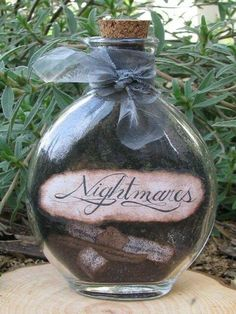 Halloween Potions - Flip this to DREAMS and fill with something pretty Theme Halloween, Halloween Potions, Halloween Bottles, Holidays Halloween, Fall Halloween, Halloween Crafts, Happy Halloween, Halloween Decorations, Halloween Apothecary Jars