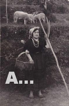 Año 1939,campesina gallega en Mondariz