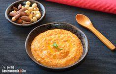 Salsa de salmorejo y frutos secos - http://paraentretener.com/salsa-de-salmorejo-y-frutos-secos/