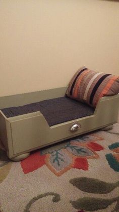 Taking care of your pet goes beyond giving them food and clean water; you can also do a pawsome bed upgrade! Get inspired by the DIY Pet Bed Collection. Redo Furniture, Diy Furniture, Diy Pet Bed, Recycled Furniture Design, Repurposed Furniture, Recycled Furniture, Dog House Diy, Old Drawers, Comfy Bed