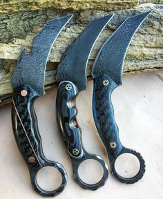 """Half Face Blades on Instagram: """"Karambito's on their way out the door L to R. CF split with copper, ironwood, stainless steel and CF layered, Black n a Blue CF. 3/16"""" thickness, s35vn, rc61, I truly appreciate the patience and the support! I have some hoodies n hats ready to go too. EMAIL ME AT INFO@HALFFACEBLADES.COM for questions. Thanks. #karambito #hfb #LLTB #sealteams #freedom #2ndcommando #frogmen #knives #blades #tools #specialoperations #american"""""""