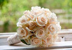 Hochzeitsfloristik von 2Sinne München - Brautsträuße, Tischdeko, Autodeko, Kirchendeko