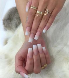 French Fade Nail Designs are one of the most popular nail shapes for women. French Fade Nails, also called French ombre Nails or baby boomer nails, combine the classic French tip with an ombre-style gradient to create a bright, mixed appearance. White Tip Acrylic Nails, French Manicure Acrylic Nails, Acrylic Nail Designs, Matte Nails, Coffin Nails Ombre, Oval Nails, Nails With White Tips, Acrylic Nails For Summer Simple, Summer Nails