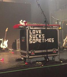 aesthetic photography red and black grunge music musician band love sucks heartbreak Kim Gordon, Indie, Vs The World, In This World, The Garden Of Words, The Wombats, Pokerface, Bubbline, Scott Pilgrim