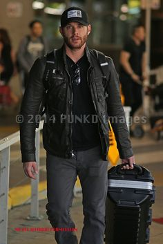 """via @PUNKD_Images  #Supernatural's Jensen """"Dean Winchester"""" Ackles with golf clubs in tow arrives in VanCity to get a start on 1st Ep..."""