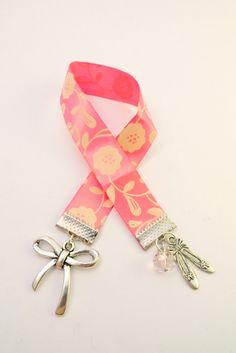 Floral Pink Book Marker                                                                                                                                                                                 Mais
