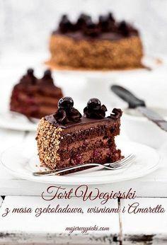 Hungarian cake chocolate with cherries and Amaretto, hard liquor Brownie Cake, Pie Cake, Fudge Cake, Sweet Recipes, Cake Recipes, Dessert Recipes, Food Cakes, Cupcake Cakes, Hungarian Cake