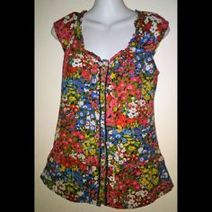 CUTE HOLLISTER BLOUSE SIZE SMALL BUT COULD FIT MED BUNDLE 2 OR MORE & SAVE 30% UPON CHECKOUT GENTLY USED WELL STORED  I HAVE TONS OF ITEMS SO DETAILS ARE IN THE ?'s & COMMENT SECTION PLS I ENCOURAGE ?'s. IT HELPS BUILD TRUST TO AVOID Cx PLS ASK ME TO DOUBLE CHECK B4 PURCHASING I SELL ON OTHER APPs & THE DAY CAN GET HECTIC? I ANSWER?'s 6:30AM-8:30PM PT WHN I'M NOT DRIVIN ?'s AFTER 8:30PM WILL BE ANSWERED NXT DAY THANKS FOR YOUR INQUIRY & HOPE Y'ALL HAVE A GREAT DAY  ;) Hollister Tops Blouses