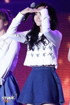 Hello Venus Yoo Ara Pledis Entertainment, Girl Bands, Venus, Skater Skirt, Kpop, Women, Fashion, Moda, Women's