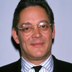 """Raul Julia-""""What's behind me is not important!"""""""