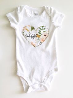 Trendy, modern handmade baby gifts and accessories by WittsEndDesign Newborn Outfits, Kids Outfits, Baby Sewing, Sew Baby, Applique Onesie, Baby Girl Gift Sets, Onesie Dress, Baby Bibs Patterns, Diy Clothes